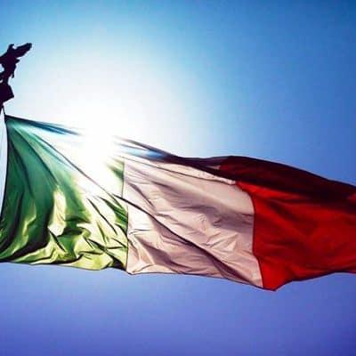 1-Trofeo-della-lingua-italiana-bandiera