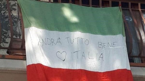 Italy in Crisis, raccolta fondi.. Bandiera Italiana