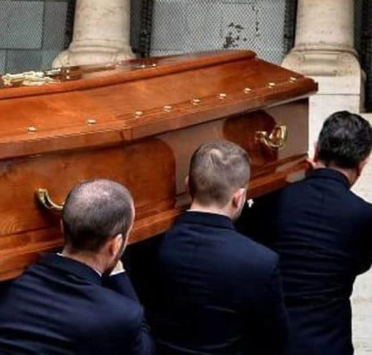 19 rom positivi Vasto: il funerale di Campobasso infetta l'Abruzzo. Tutti nella stessa palazzina, città in rivolta