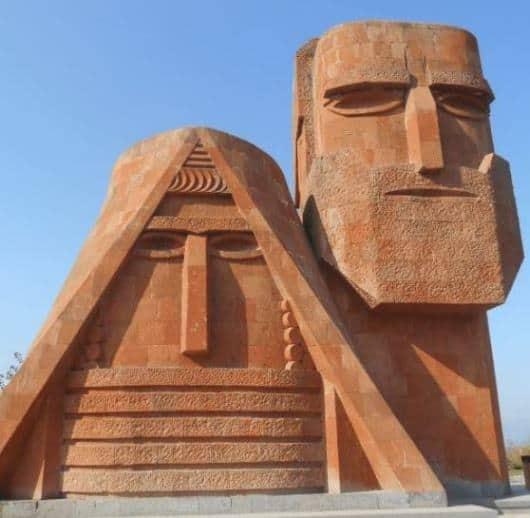 Nagorno Karabakh, guerra epistolare. L'Ambasciatore d'Italia in Azerbaigian, Costa Vs l'ambasciatore in Armenia, Scapini