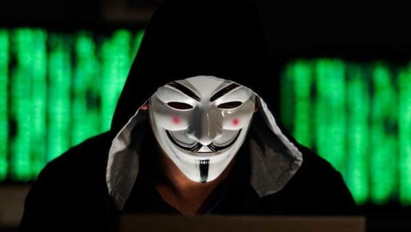 Anonymous attacca il San Raffaele