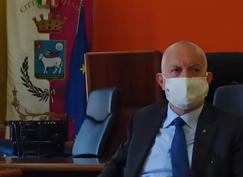 Bojano senza Sindaco vola, riparte con le associazioni. Il commissario Pigliacelli scomoda Magritte
