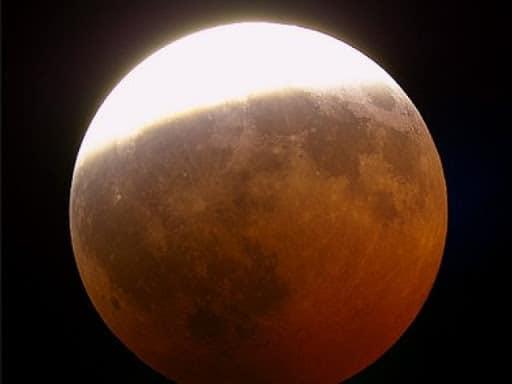 Come osservare l'eclissi di Luna