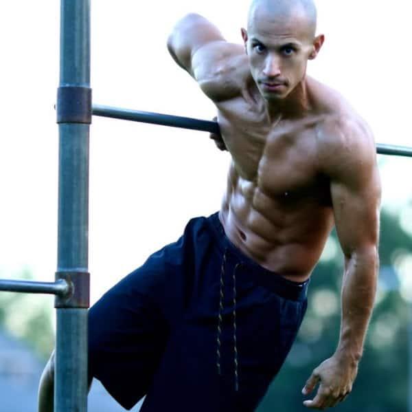 Frank Medrano dieta veg. Ecco come il famosissimo body builder si mantiene in forma