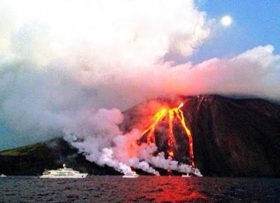 Stromboli-dallo-tsunami-alle-esplosioni