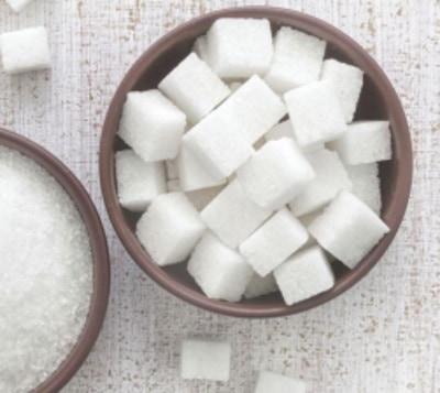 No allo zucchero raffinato. Fa davvero male alla salute?