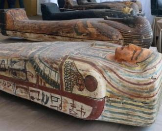 Egitto-ritrovati-100-sarcofaghi