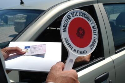 Guidava-con-patente-sospesa