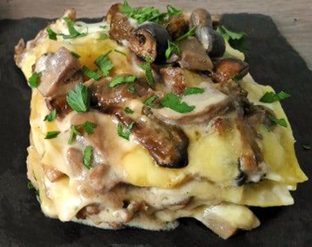 Lasagne vegane con funghi e besciamella. Come preparare un primo classico
