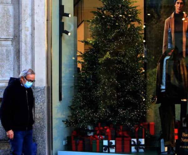 Nuovo Dpcm Natale. Spostamenti tra le Regioni solo per i residenti, chiusura di bar e ristoranti alle 18. Quarantena di 15 giorni per chi, nel periodo natalizio, rientra dall'estero