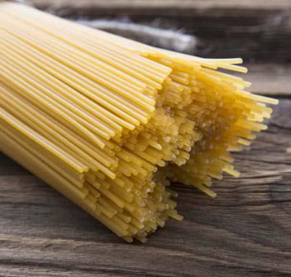 Spaghetti con glifosato, una sostanza controversa che molti studi hanno collegato ad una serie di possibili disturbi per la salute umana ed anche a danni ambientali