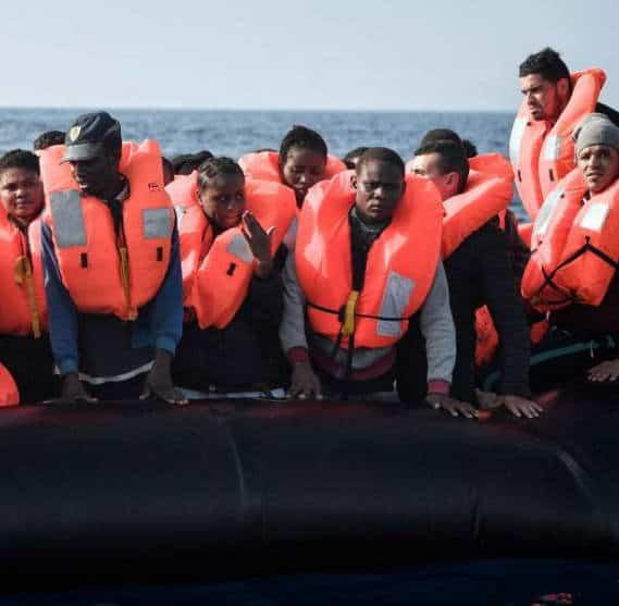 100 migranti soccorsi