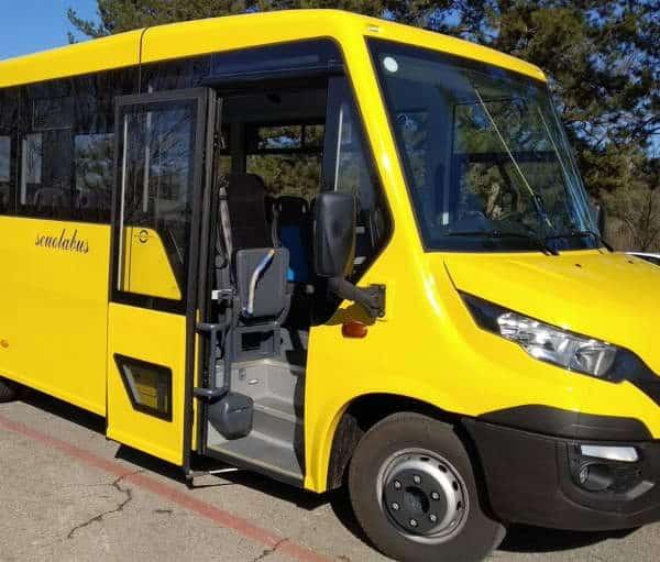 Sanificatore portatile scuolabus Pescara. Questo macchinario permette di non lasciare residui nocivi sullo scuolabus, sanifica gli ambienti e disattiva gli agenti contaminanti come virus e batteri.