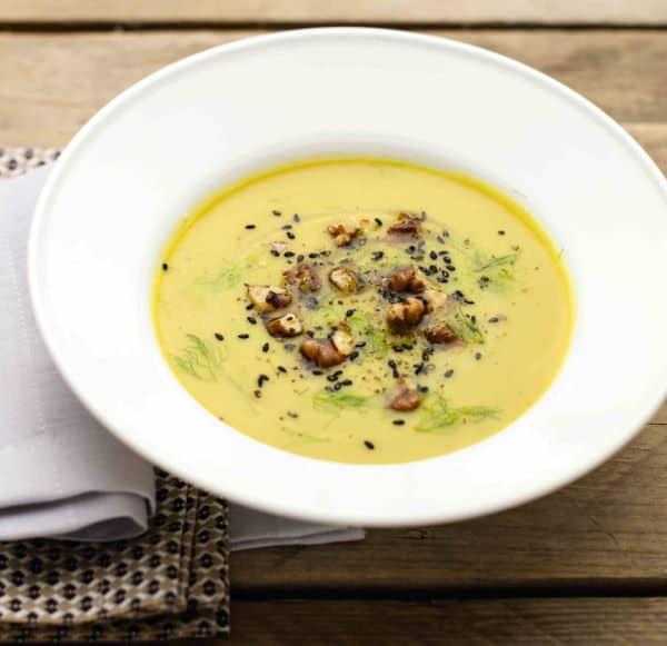 Vellutatadifinocchi. Con pochissimi ingredienti preparate un piatto davvero gustoso, semplice e veloce da realizzare. Ottimo piatto per questo periodo invernale.