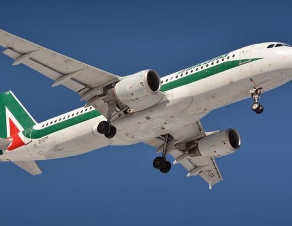 Alitalia bye bye…scompare la compagnia di bandiera dal Venezuela. E gli italiani?
