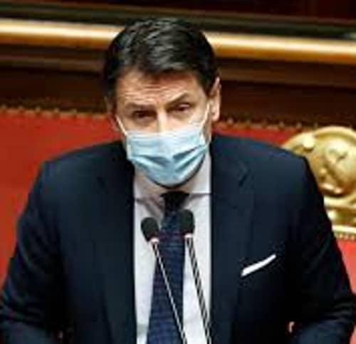 Conte si dimette. L'Italia entra in crisi