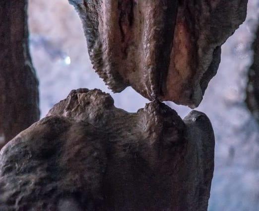 Bacio atteso 20mila anni nelle Grotte di Pertosa. Stalattite e stalagmite si uniscono
