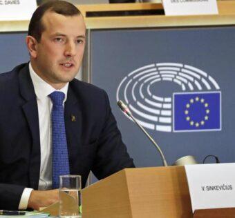 Giovani parlano di ambiente in Europa con il commissario Virginijus Sinkevičius
