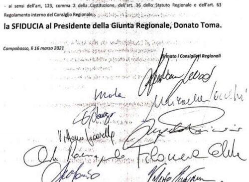 Presidente Toma sfiduciato. Il governatore del Molise bocciato da 11 consiglieri, 3 di maggioranza