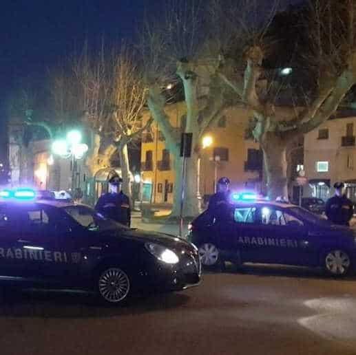 Caos al bar, arrivano i carabinieri