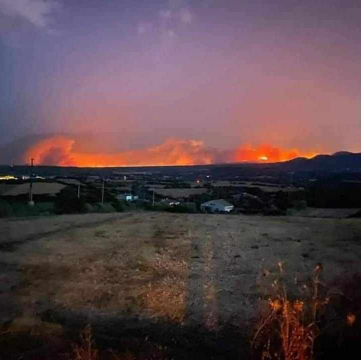 Emergenza fuoco in Sardegna nell'Oristanese, in fumo oltre 11 mila ettari