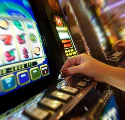 Gioco d'azzardo regolamentato. Speranza firma il decreto