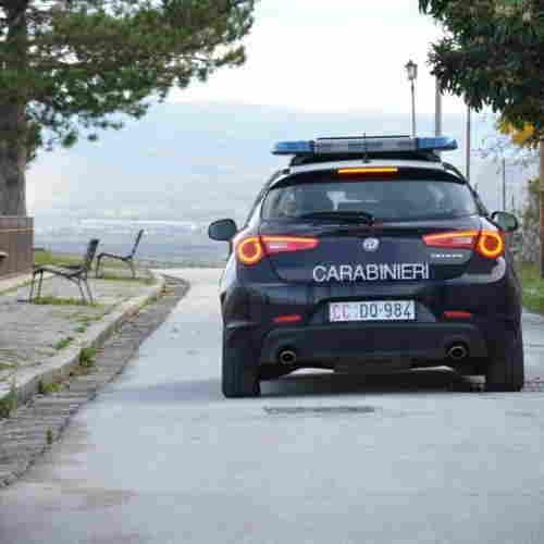 Bojano simula furto auto sequestrata. Tradito da foto su facebook