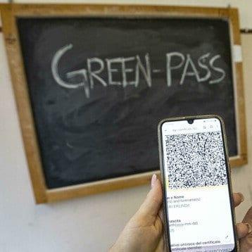 Caos inizio scuola con green pass obbligatorio. 300000 supplenti e 50000 neoassunti alla deriva