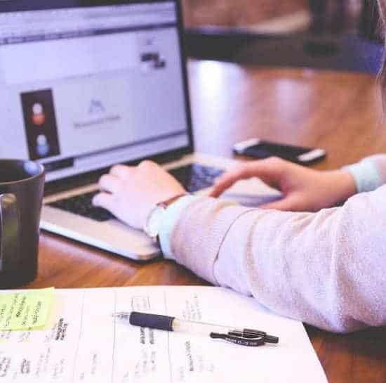 Università Bocconi spia studenti. I software incriminati: LockDown Browser e Respondus monitor