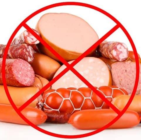 Carne causa tumori colon. Ecco gli alimenti da evitare.
